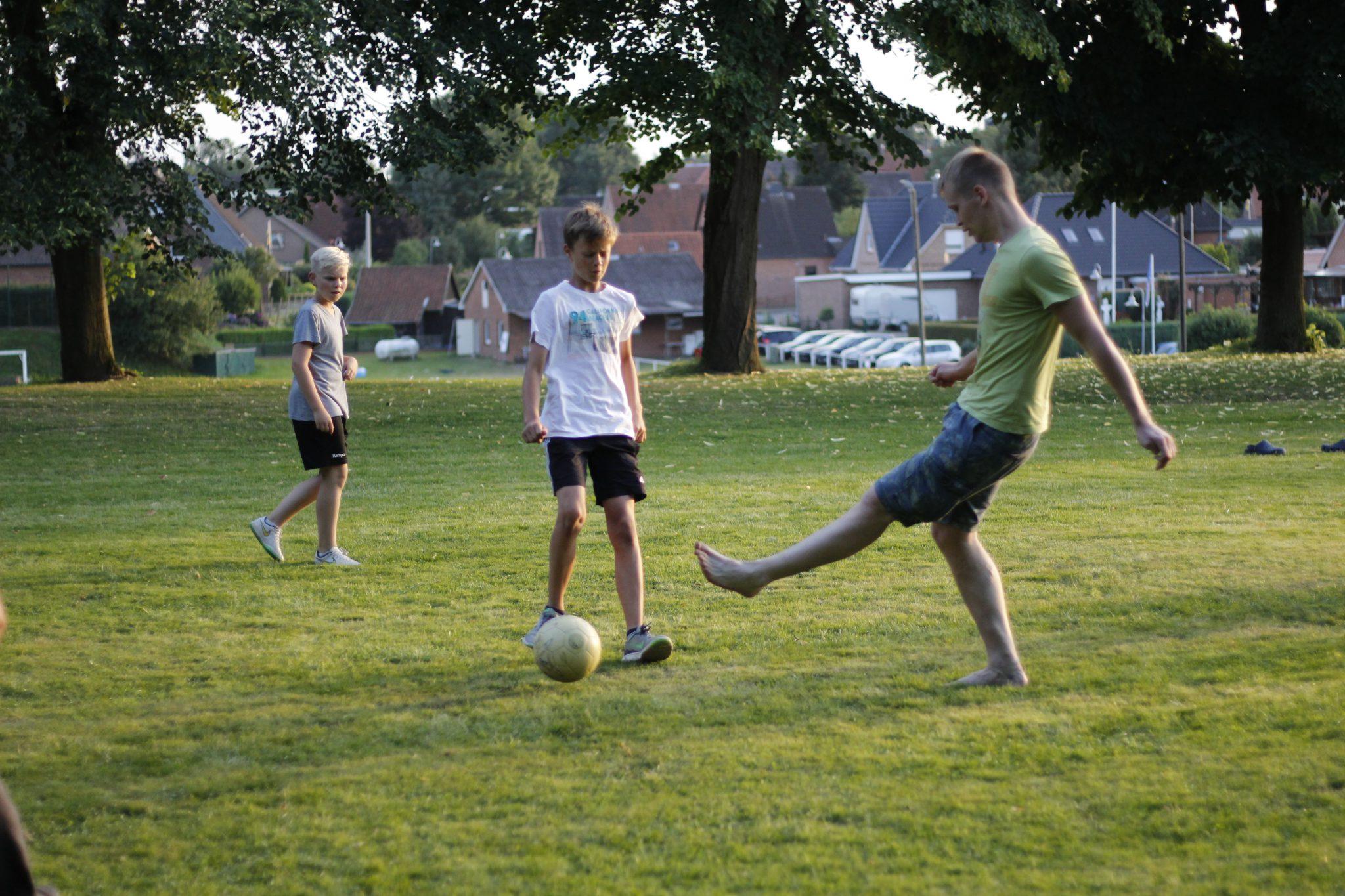 Die Betreuer-Mannschaftschaft war beim Fussball chanchenlos